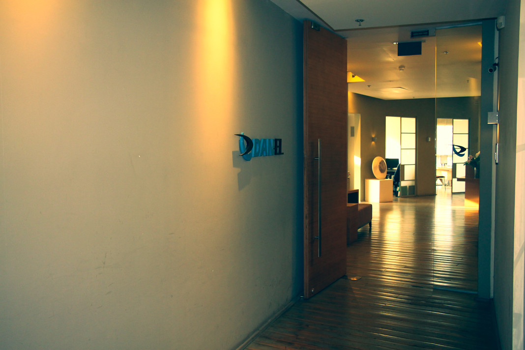 DanelOffice02_min.jpg